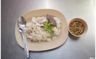 Курица с «жирным» рисом Као Ман Кай (ข้าวมันไก่)