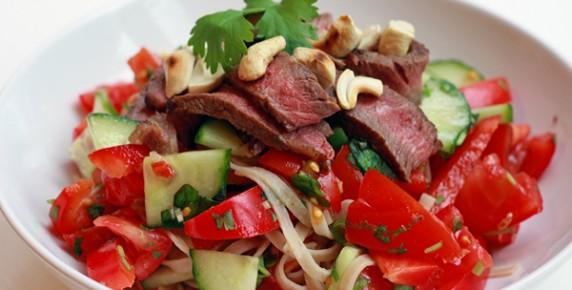 taiskij-salat-iz-steika (5)